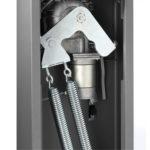 Il sistema a doppia molla è regolabile al fine di rendere il movimento dell'asta della barriera automatica fluido